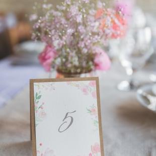 Niki és Peti bazsarózsás esküvője